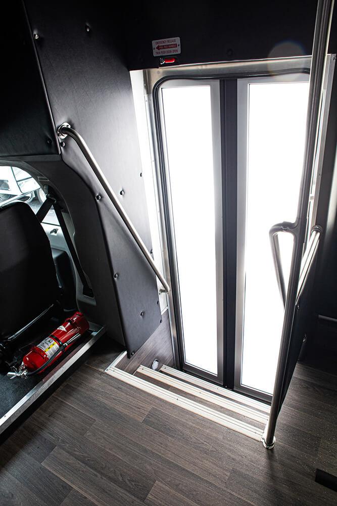 35 seat shuttle bus wide entry door
